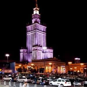 Palace-of-Culture-and-Science-Warsaw,-Poland-at-night