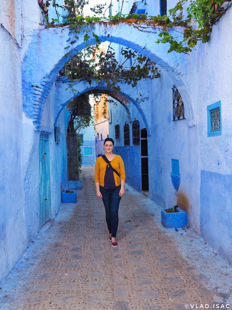 Ana-Matei-in-Chefchaouen,-Morocco