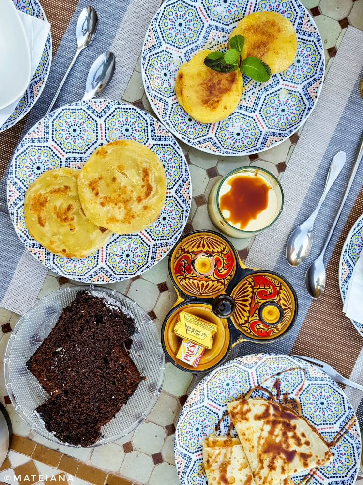 Batbout-and-Moroccan-pancakes-at-Riad-Melhoun-and-Spa-Marrakech