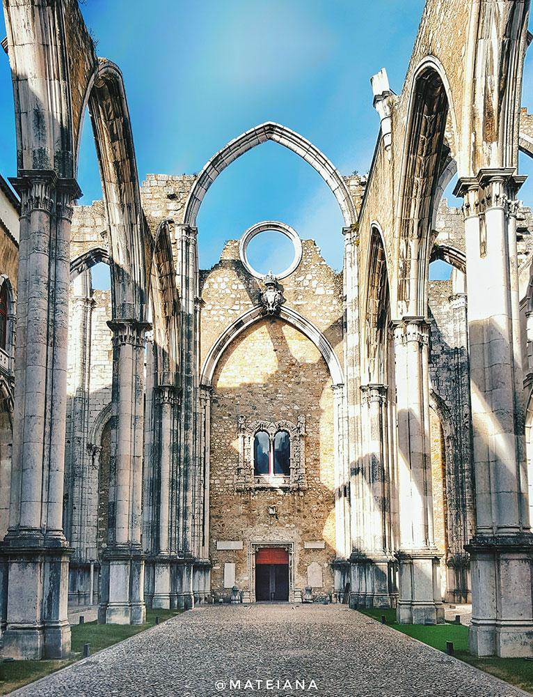 Carmo-Convent---instagram-spots-Lisbon