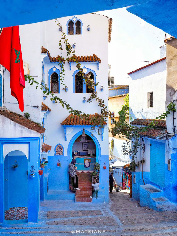 how to get to blue city morocco