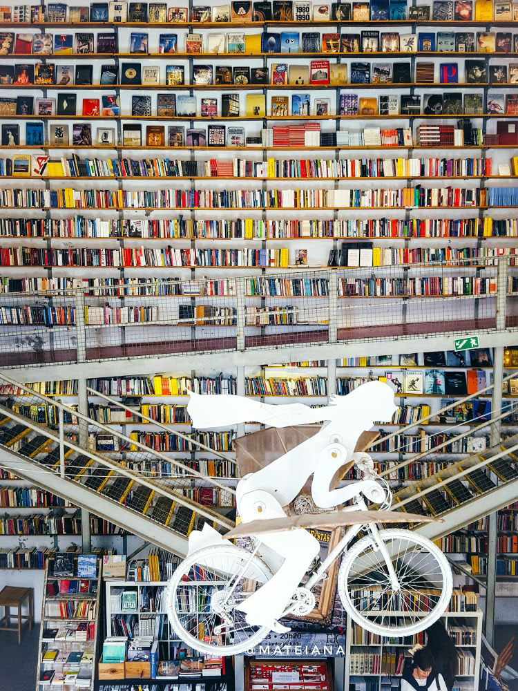 Ler-Devagar-Bookstore-instagram spots in Lisbon