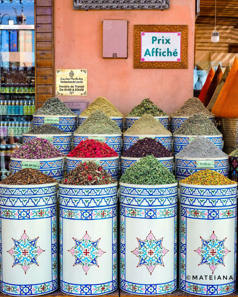 Spices-and-herbs-in-the-souks-of-Marrakech
