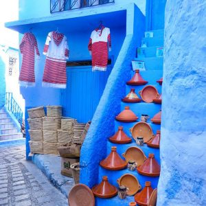 Tajines-for-sale-in-Chefchaouen---the-blue-city