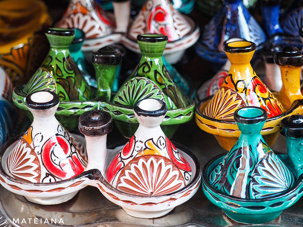 Tiny-Moroccan-tagines-for-salt-and-pepper