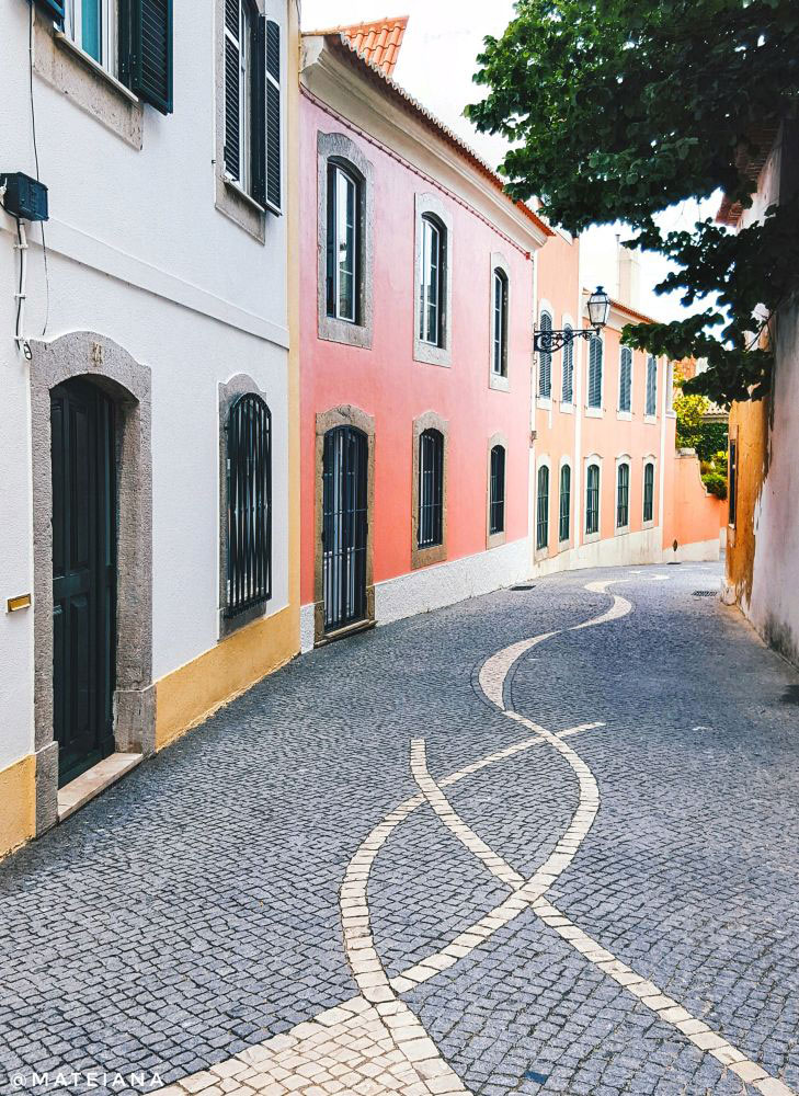 streets-of-Cascais,-Portugal
