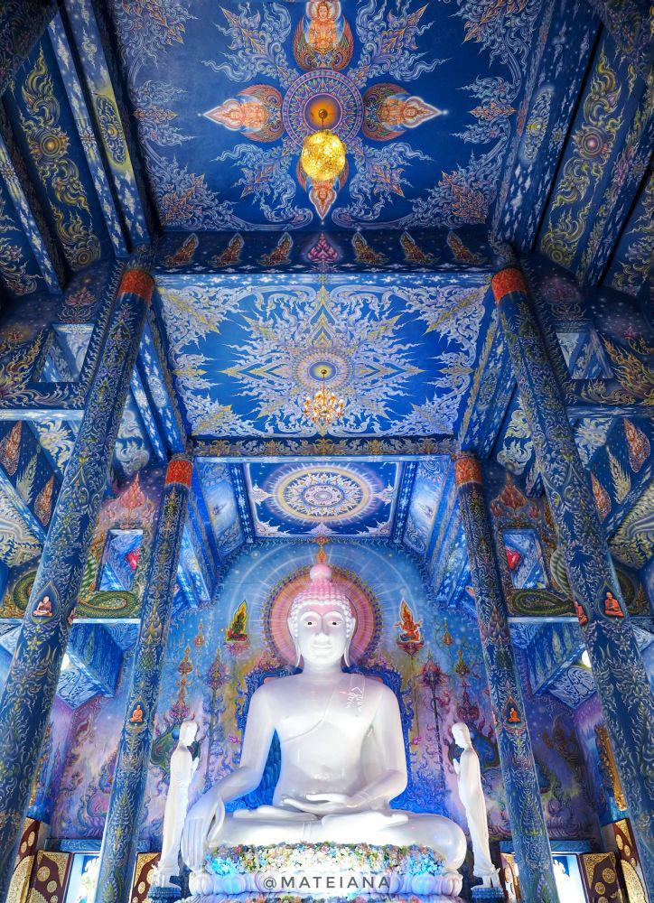 Blue-Temple-Chiang-Rai-Wat Rong Seua-Amazing-Interior