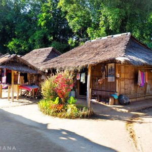 Long-Neck-Village-Chiang-Rai---Tiny-Huts