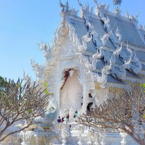 White-Temple-Chiang-Rai---All-White-Point-of-View