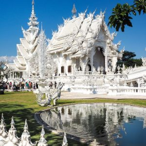 White-Temple-Wat Rong Khun-Chiang-Rai,-Thailand