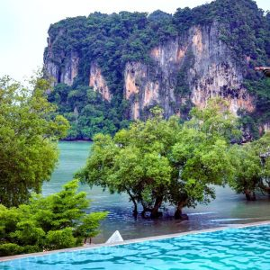 East-Railay-Bay---view-from-the-infinity-pool---Railay-Princess-Resort