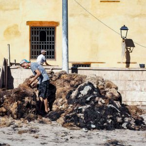Men-working-near-Fez-Tannery,-Morocco