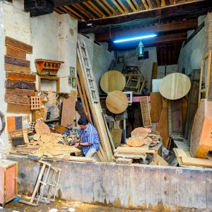 Wood-crafts-in-Fez,-Morocco