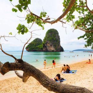 framing-Phra-Nang-Beach,-Krabi,-Thailand