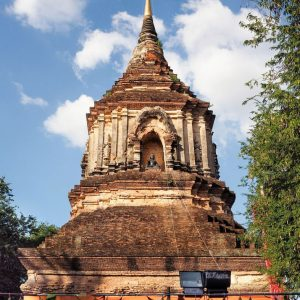 Main-Stupa-at-Wat-Lok-Moli-in-Chiang-Mai