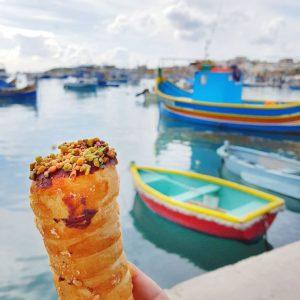 Maltese-Cannoli---Sweets-in-Marsaxlokk,-Malta