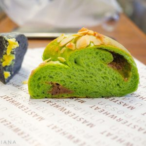 Master-Wheat-Bangkok---matcha-bread-and-black-bread