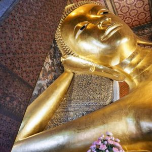 Reclining-Buddha-at-Wat-Pho,-Bangkok