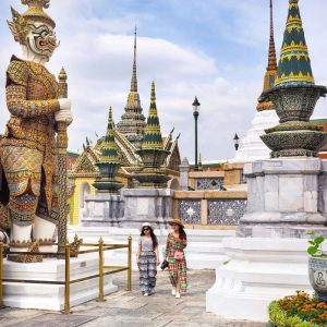 colorful-guardians-inside-Wat-Phra-Kaew---Grand-Palace