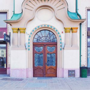 Art-Nouveau-Door---Black-Eagle-Palace-Oradea