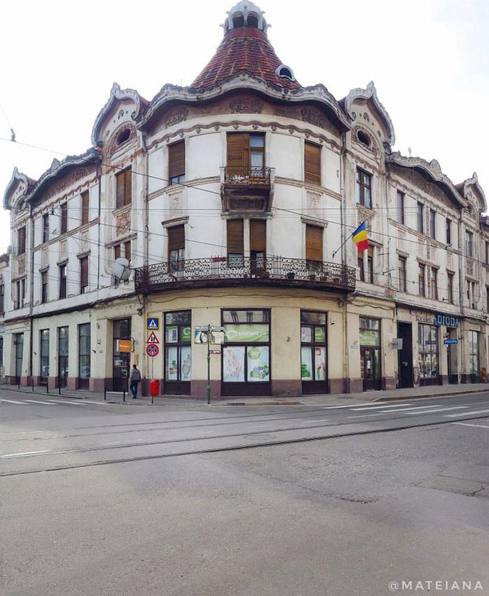 Fuchsl-Palace-in-Oradea,-Romania