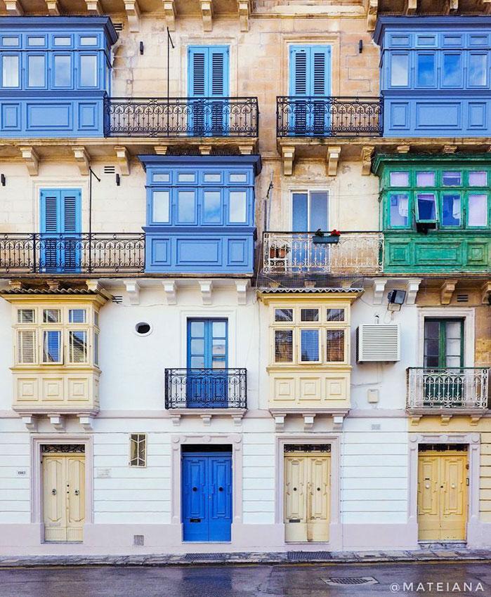 Maltese-Balconies-in-Valletta,-Malta