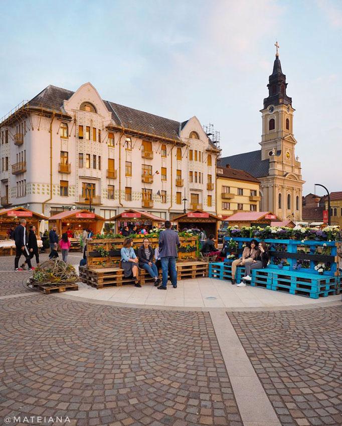 Moskovits-Adolf-&-Sons-Palace,-Oradea,-Romania-s