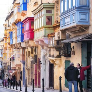 People-of-Valletta-and-colorful-Maltese-Balconies