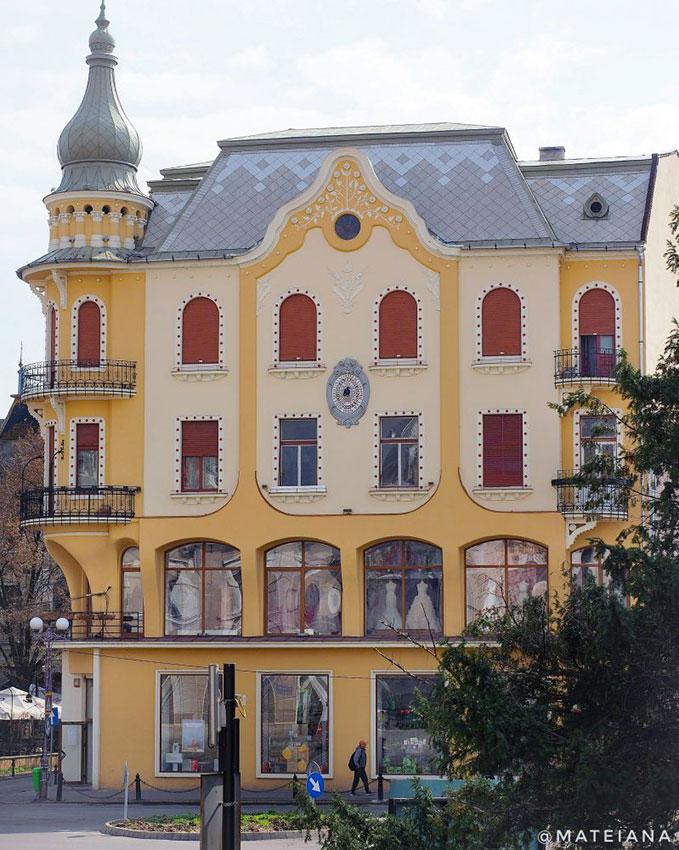 Poynar-House---Art-Nouveau-in-Oradea,-Romania