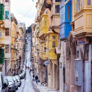 Streets-of-Valletta,-Malta