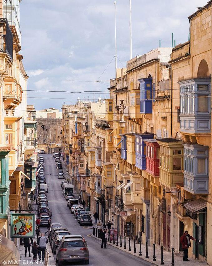 Sunny-Valletta