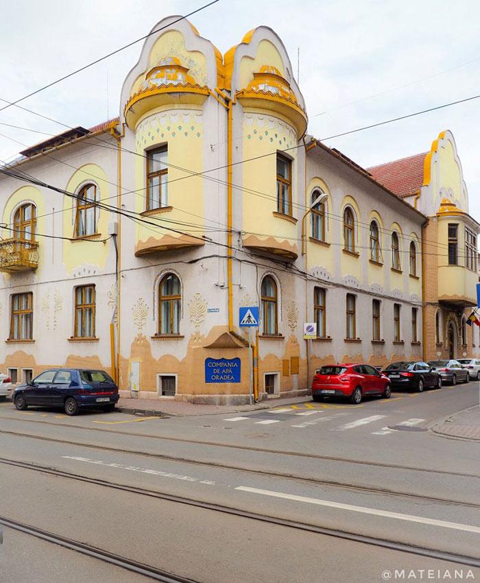 The-Chamber-of-Commerce---Art-Nouveau-Oradea