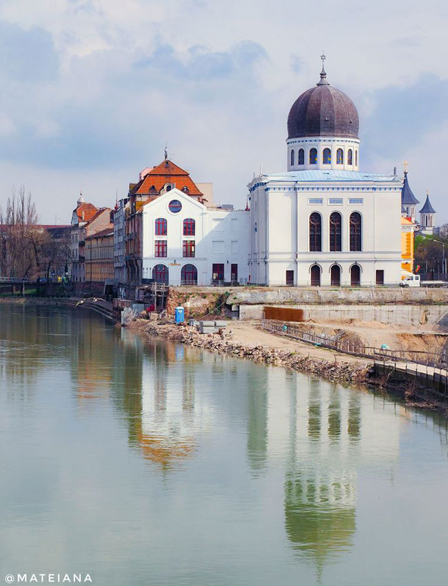 Zion-Synagogue-in-Oradea,-Romania_S
