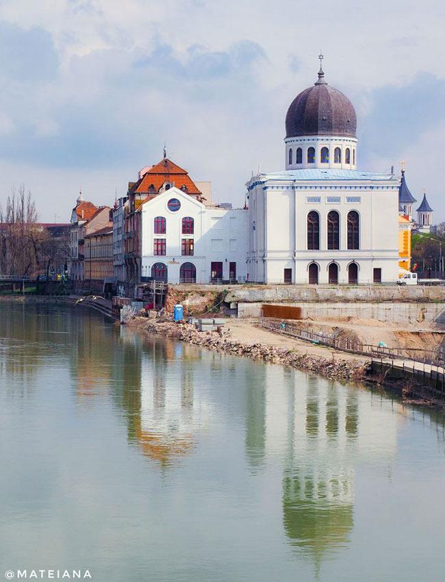 Zion-Synagogue-in-Oradea,-Romania_S