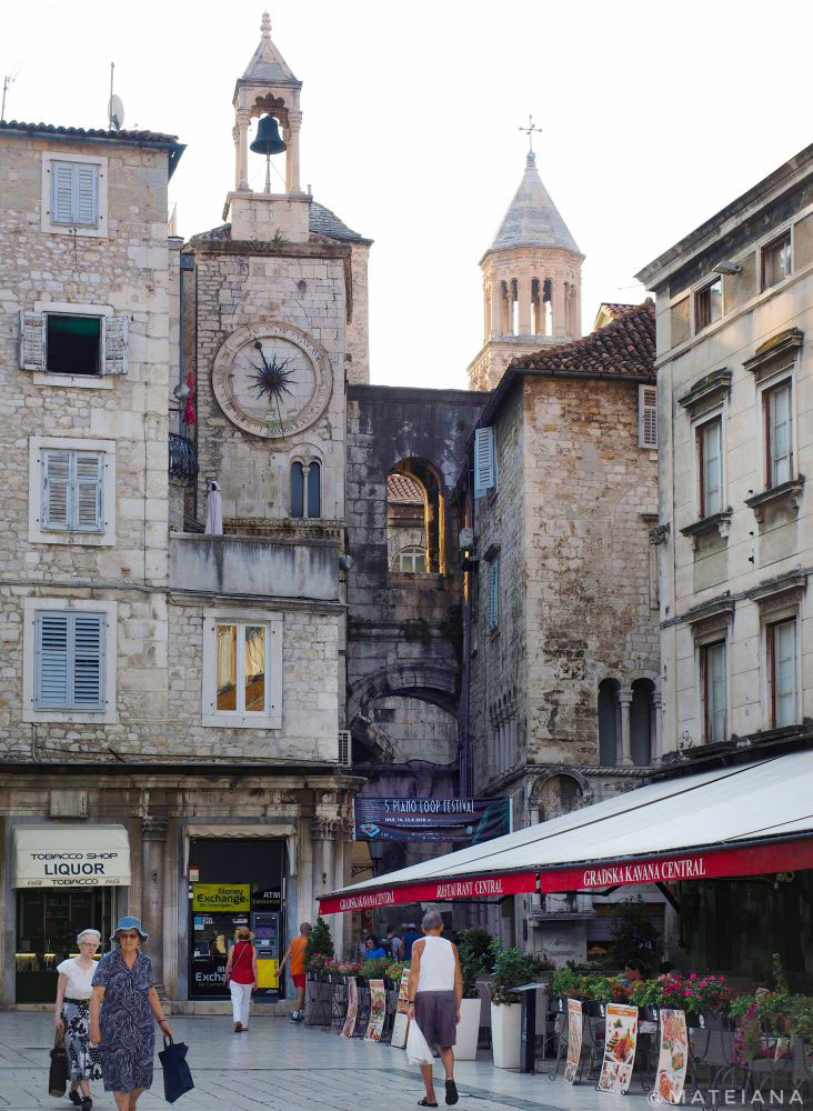 Iron-Gate-and-Old-Clock-Tower---Diocletian-s-Palace-in-Split,-Croatia