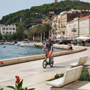 Riva-Promenade-in-Split,-Croatia---Summer-vibes