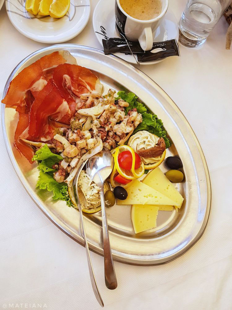 Seafood-plate-at-Kavana-Restaurant-Central---Split,-Croatia