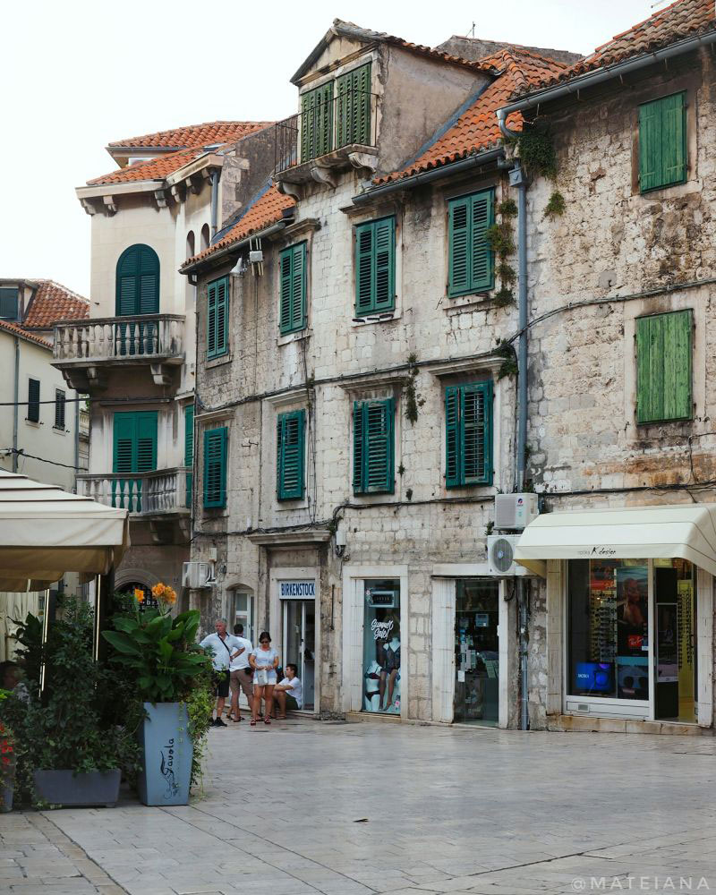 Vocni-Trg---Fruit-Square---Split,-Croatia