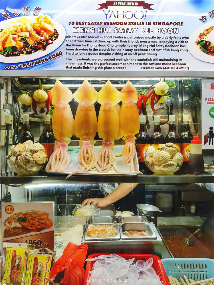 Food-Stand-at-Albert-Hawker-Centre-in-Singapore
