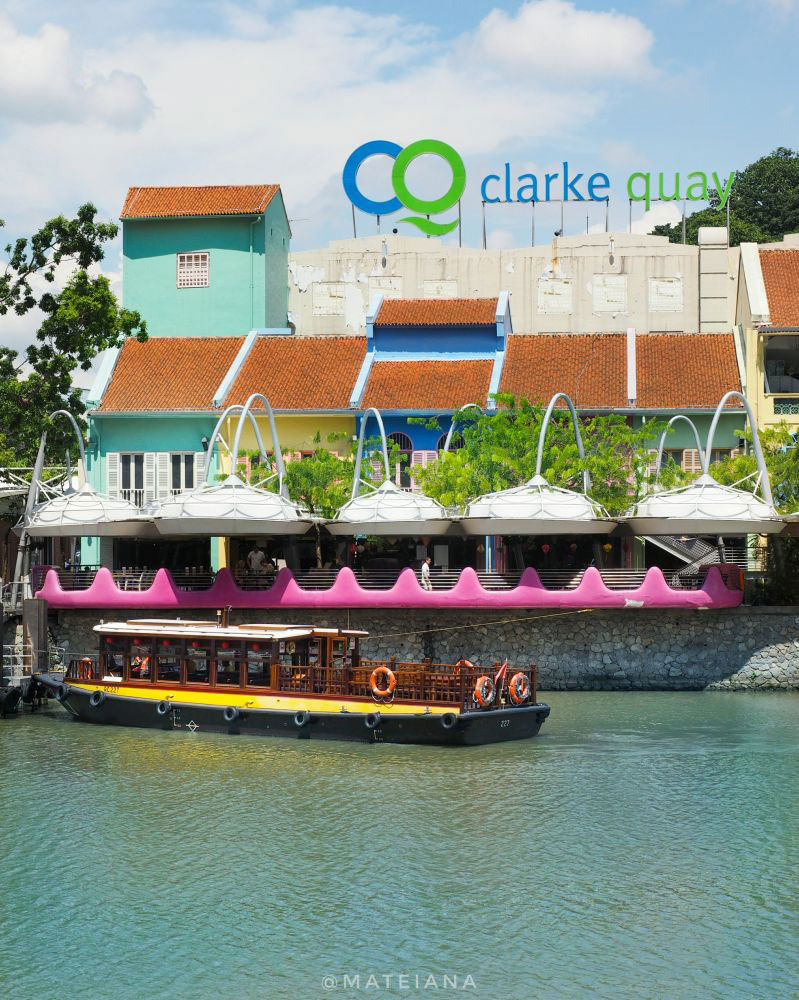 Postcard-from-Clarke-Quay,-Singapore