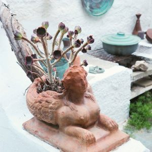 Beautiful clay flower pot at Bungalows Svoronos, Naousa, Paros