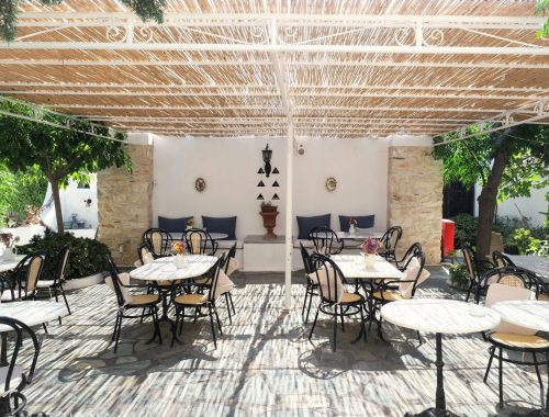 Beautiful terrace at Bungalows Svoronos, Naousa, Paros