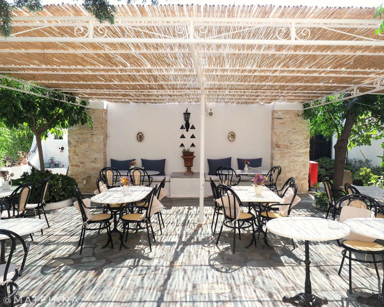 Beautiful terrace at Bungalows Svoronos, Naousa, Paros