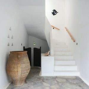 Cyclades architecture - entrance -Svoronos Bungalows in Naousa, Paros