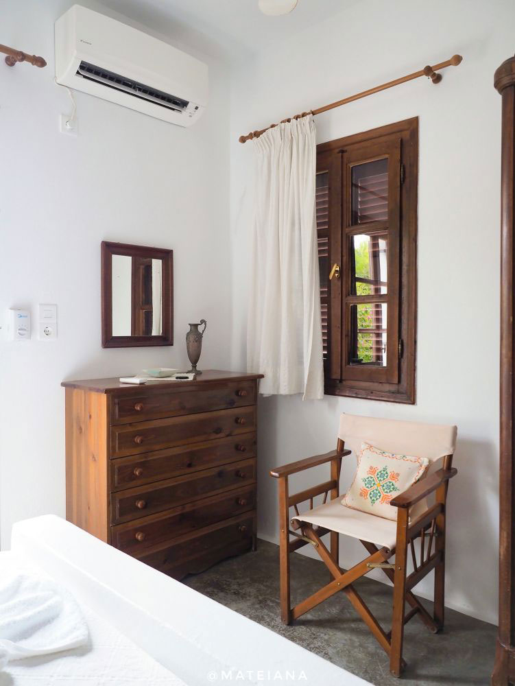 Interior style - bedroom corner at Bungalows Svoronos, Naousa, Paros