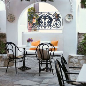 Summer terrace at Bungalows Svoronos in Naousa, Paros